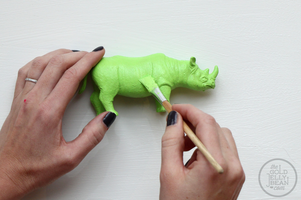 DIY Neon Animal Mobile, via www.thegoldjellybean.com